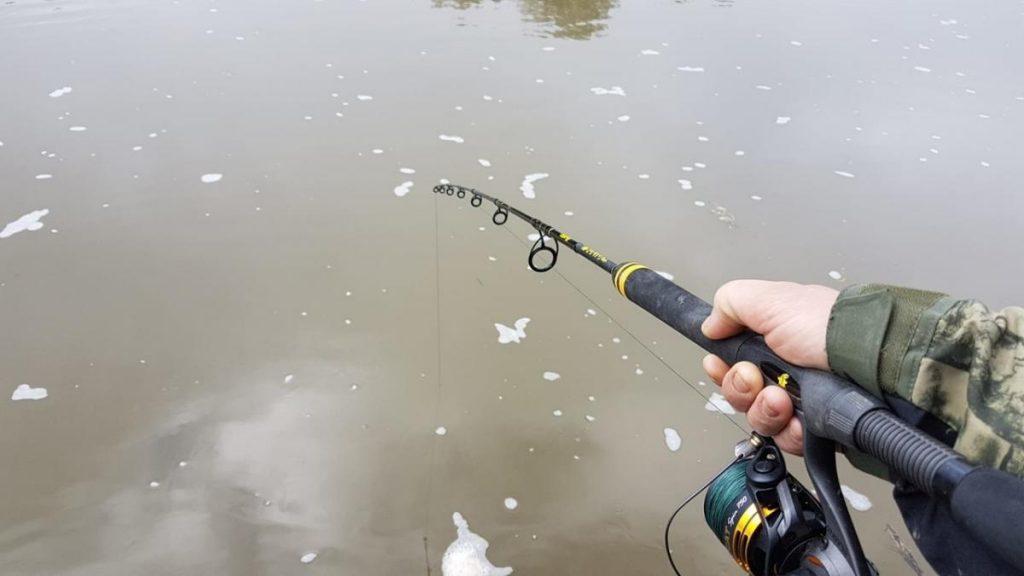 Multi oder Stationär??? Multirollen erleichtern die Handhabung beim Vertikalangeln ungemein. Stationärrollen sind vielseitig einsetzbar, wie zum Beispiel zum Spinnfischen.
